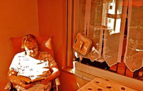 petitmadam beim Fensterputzen